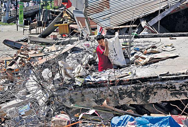 印尼地震逾800死傷 缺藥物醫護