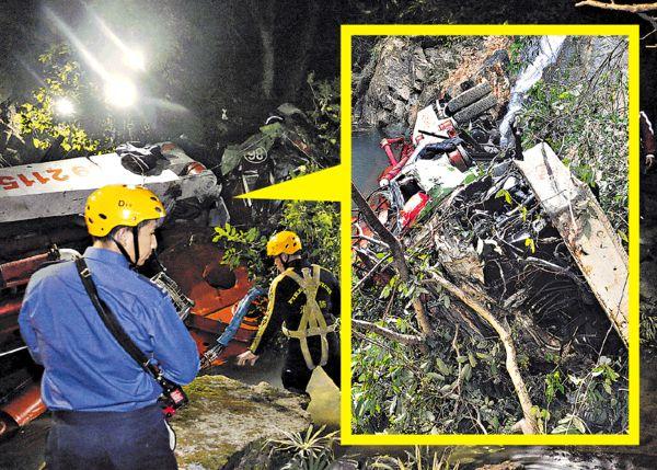 石屎泵車墮60米坡 司機慘死