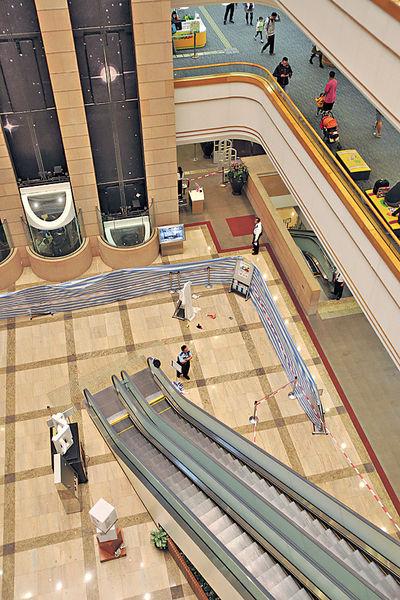 26歲仔中央圖書館跳樓 目擊者嚇到喊