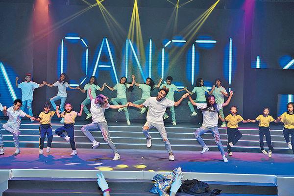 地板震動知節奏 聽障Dancers合拍起舞