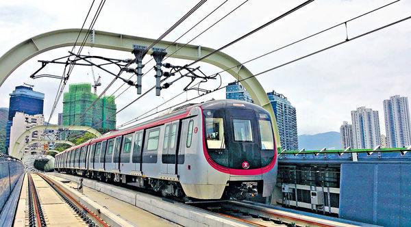 港鐵新綫塞爆金鐘 繁忙時間恐要等6班
