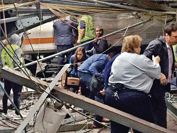 美火車失控撼月台 最少4死百傷