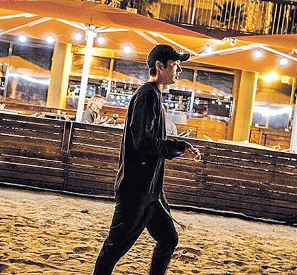 李敏鎬拍劇不忘沙灘漫步