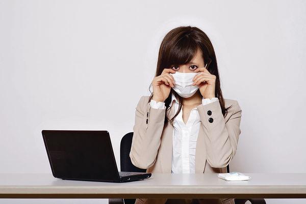 同事辦公室播毒 戴口罩可自保?