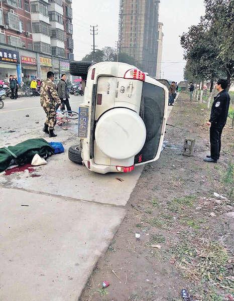 江西漢駕車狂撞人 4死18傷