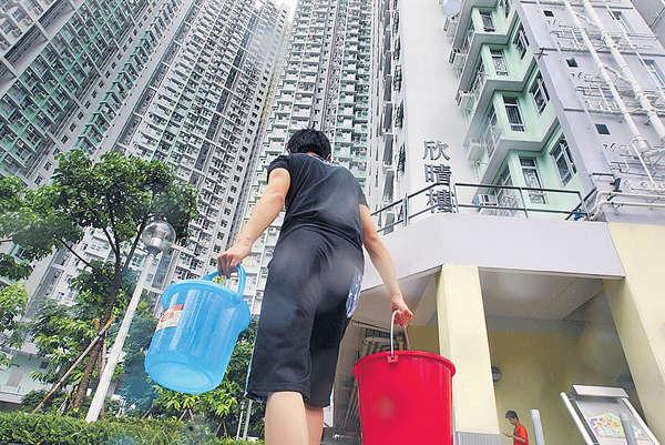 2015香港大事回顧:鉛水騙案人禍 交織2015