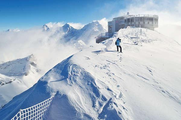 瑞士雪朗峰 勇破007滑雪道