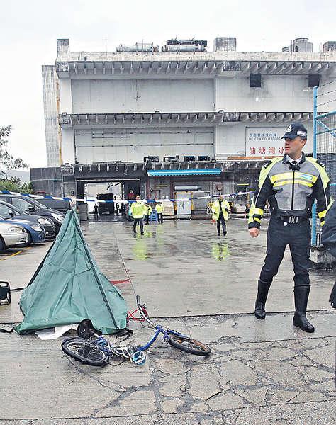 工人踩單車上班 遭輾斃