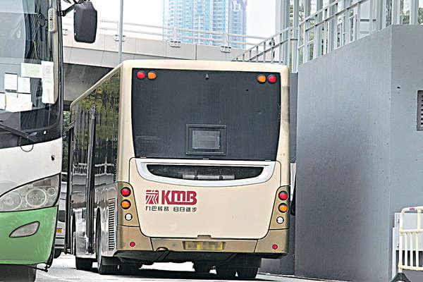 九巴設委員會 檢討車廂安全