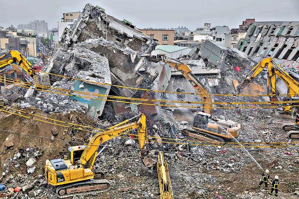台強震61死 當局查「人禍」