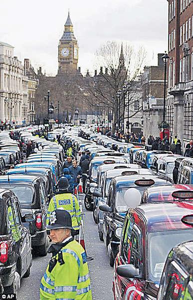 倫敦「黑的」罷駛 反對Uber乏監管