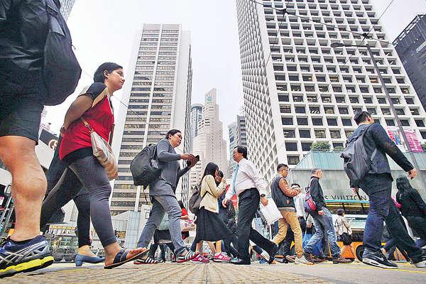 17%僱主擬增聘人手