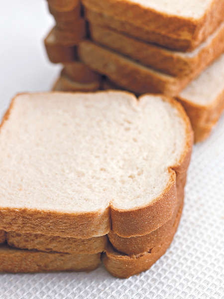常吃白麵包易有肺癌