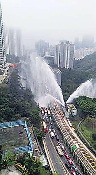 抽水站爆水管 30米水柱射傷兩人