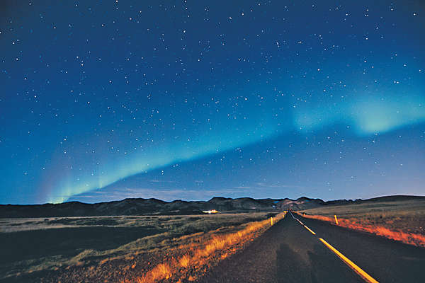 冰島天與地之美
