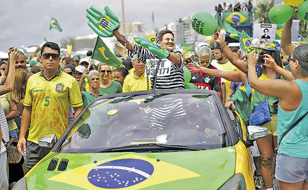 巴西300萬人示威 促羅塞夫下台