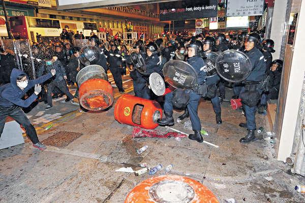 李克強:旺角暴亂 港人有智慧處理