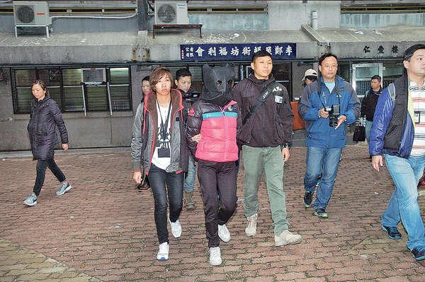 涉初一暴亂 警拘46歲女子