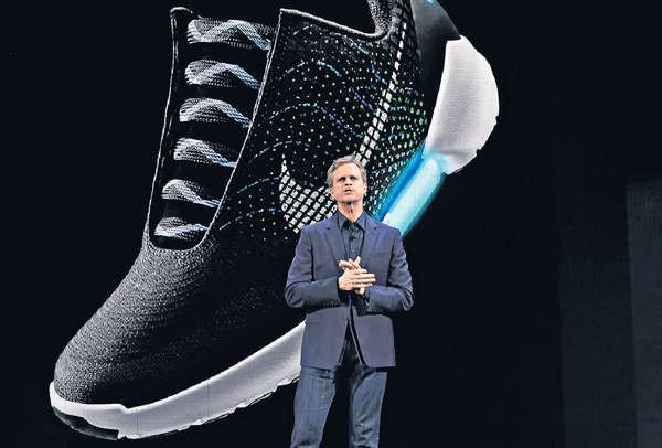《回到未來》成真 Nike自動綁帶鞋聖誕售