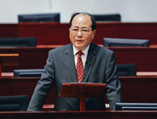 吳克儉被圍堵 校長指不會追究學生