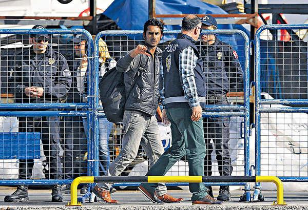 希臘遣返難民 難遏湧歐潮