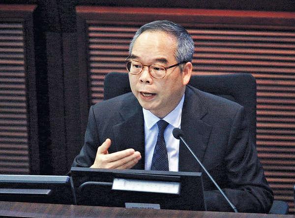 議員促就刪字事件道歉 劉江華稱正檢視