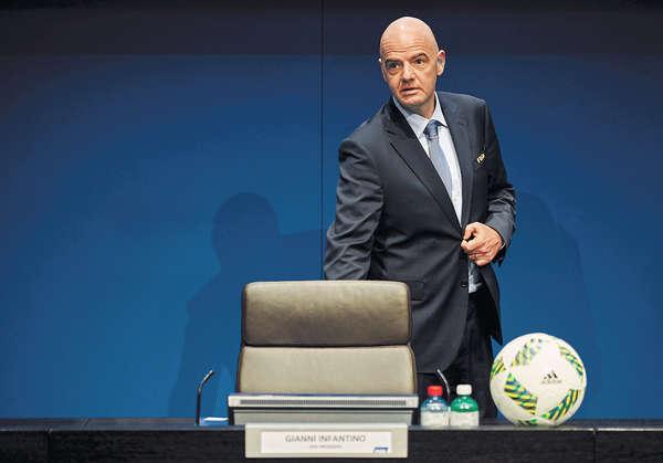 奧巴馬籲堵避稅漏洞 FIFA新主席涉貪