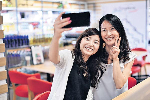 狂selfie 患自拍手