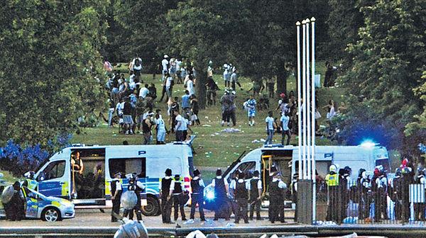海德公園千人水戰變騷亂
