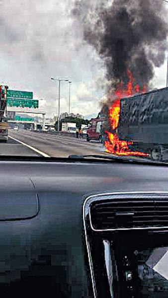 貨車元朗公路自焚