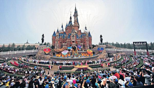 不文明遊客 肆虐上海迪士尼