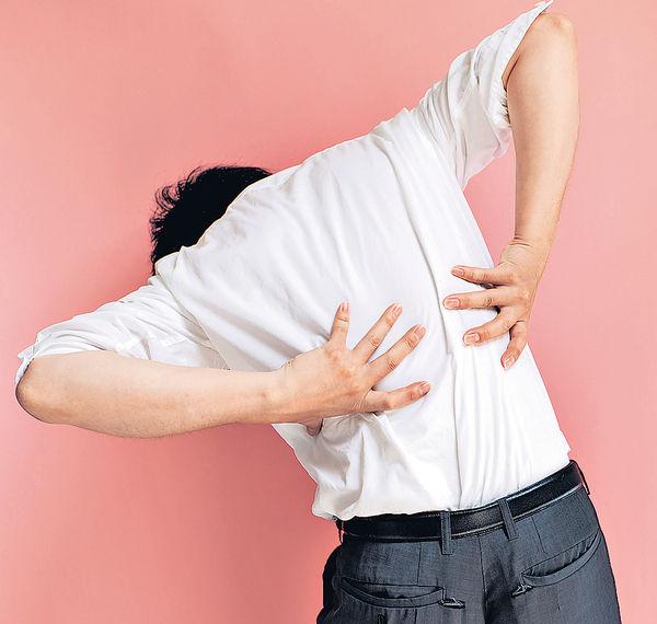 強直性脊椎炎 誤當運動傷腰背