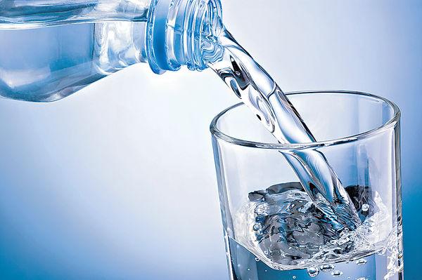 多喝水 無助平衡身體酸鹼