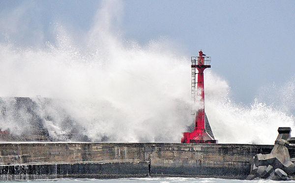 正面遇上颱風