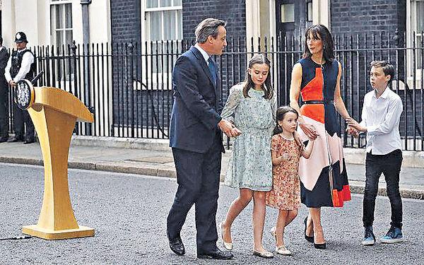 卡梅倫告別:祝英國更強大
