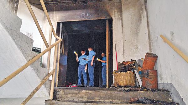 長沙灣3級火工廈 疑有劏房