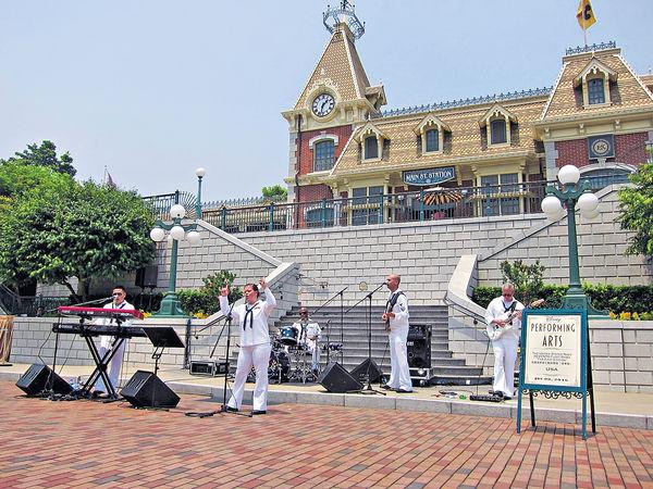 美國海軍樂隊 玩轉迪士尼 大唱《喜歡你》