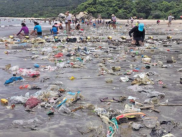 微塑膠充斥海洋 鮮魚變「膠魚」