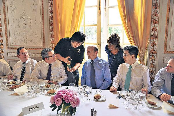 岳少帶隊波爾多宣傳香港 廚魔出招 鵝肝配竹葉青