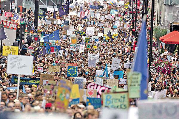 倫敦萬人示威促留歐