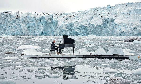鋼琴家喚關注暖化 北極浮冰奏輓曲