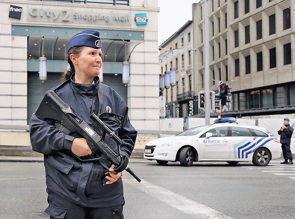 「詐彈背心」闖商場 比利時漢被捕