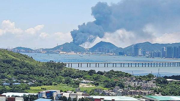 蛇口火警 濃煙香港可見