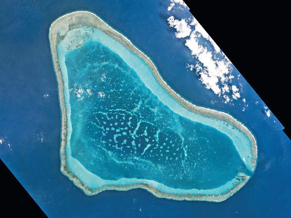 傳中國黃岩島填海 建不沉航母