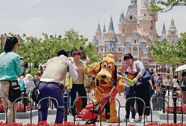 滬迪士尼首兩周門票售罄 高峰期將限流
