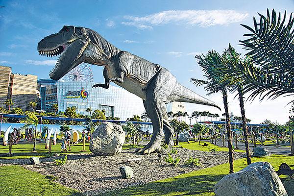 高雄戶外看恐龍展