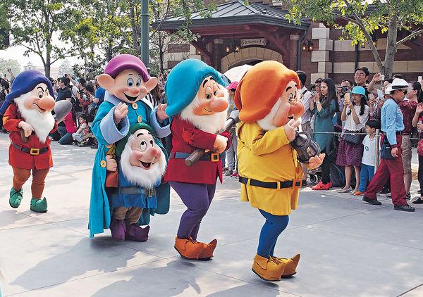低收入「大齡」玩客 更熱衷上海迪士尼