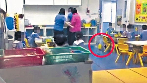 幼園老師疑向學生飛書包 校方致歉