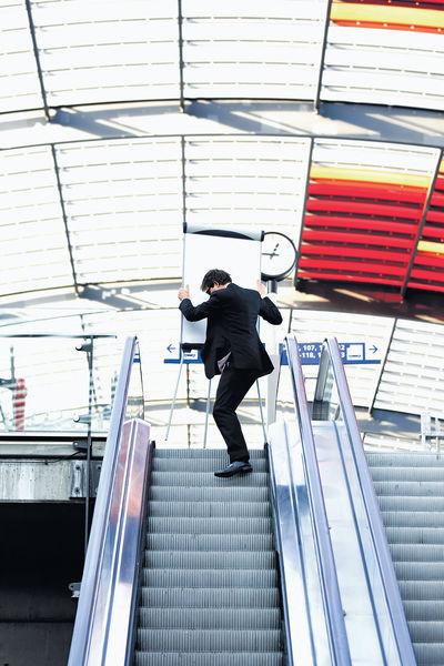 創業初哥巧用「電梯行銷」 15秒吸引投資者