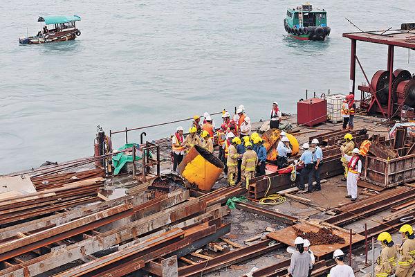 燒焊浮標爆炸 躉船工1死1傷